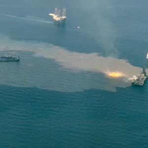 Oil spill burned in the sea